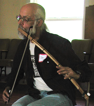 John Palmes on MouthBow at NAJHF 2006 - Pic by Ingrid Berkhout